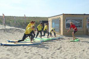 Wekelijks Groepsles surfen